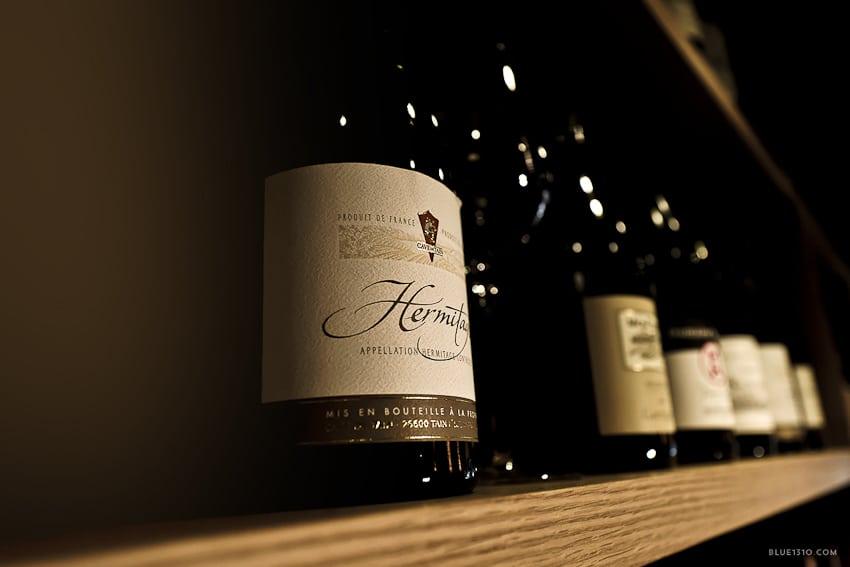 Salon-Francais-bar-a-vin-fromage-annecy-Blue1310-photo-agencede-com--1040313