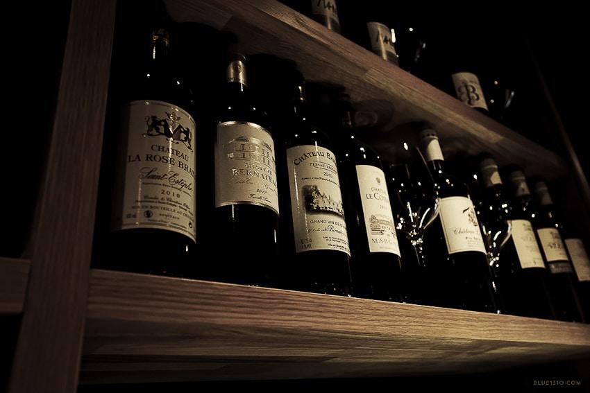 Salon-Francais-bar-a-vin-fromage-annecy-Blue1310-photo-agencede-com--1040315