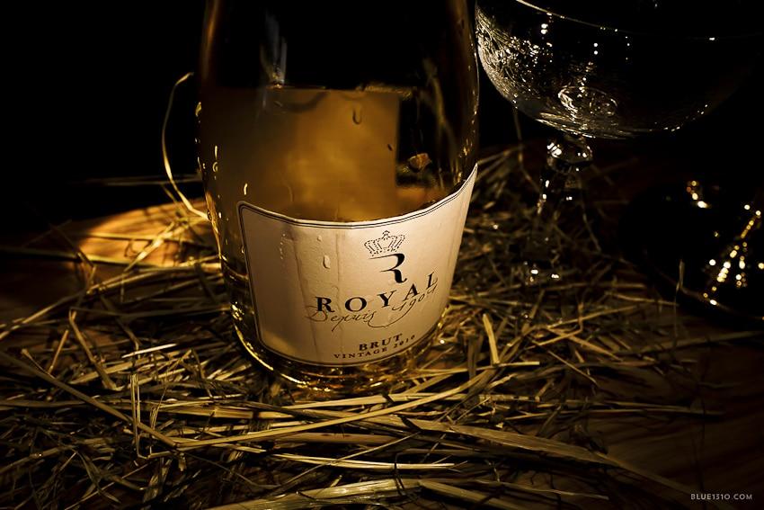 Salon-Francais-bar-a-vin-fromage-annecy-Blue1310-photo-agencede-com--1040345